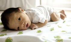Dos and Dont's for Tummy Time with Baby | When to start, how long each day, and all your other questions answered!