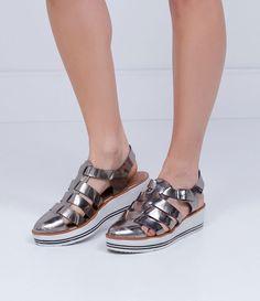 Sapato feminino Com tiras Metalizado Salto médio flatform Com fivela Marca…