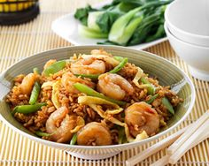 Spicy Prawn Fried Rice - leave rice out for true Paleo Prawns Fry, Spicy Prawns, Sweet Chilli Sauce, Sweet Chili, Spicy Recipes, Fish Recipes, Food In A Minute, Prawn Fried Rice, Asian Rice