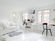 Birou alb pentru idei colorate :)