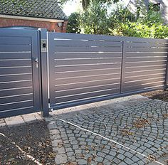 Zäune, Gartenzaun, Zaun, Tor, Tore aus Aluminium Home Gate Design, Steel Gate Design, Front Gate Design, Home Building Design, Gate Designs Modern, Modern Fence Design, Diy Backyard Fence, Privacy Fence Designs, Sliding Gate