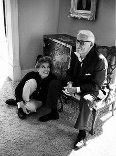 Où elle aime toujours s'asseoir .. A ses pieds .. Katharine Hepburn et Spencer Tracy