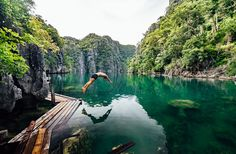 Information: Coron palawan island in the Philippines Palawan Tour, Palawan Island, Philippine Holidays, Island Tour, Philippines Travel, Travel And Tourism, Beautiful Islands, Places To See, Outdoor Life