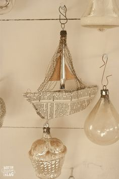 Brocante christmas ornaments / Kerstballen - https://www.facebook.com/metdefranseslag