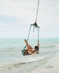 Swingin' through paradise >>