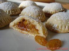 Gambetto nella Zuppa: Cialde simil-choux con mela e uvetta