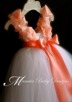 Coral Tutu Dress / Flower Girl Dress / Coral por ManaiaBabyDesigns