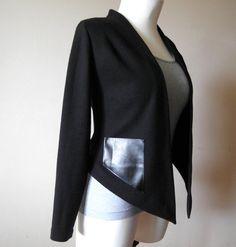 Czarny sweter / żakiet z kieszeniami, z eko-skóry / Black blazer