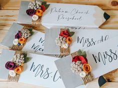 Felt Flowers, Paper Flowers, Teacher Signs, Bad Teacher, Diy Gifts, Handmade Teacher Gifts, Homemade Gifts, Handmade Signs, Teacher Appreciation Gifts