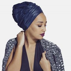 Une Jamaicaine ça peut aussi être très chic !  #turbanlover #beautifulgirl #headwraps #headwrap #headturban #fashionbrand #turbanista #blackgirl #headscarf #turban#indiradeparis #africanbrand #turbanstyle #blackgirl #africanpride #blackisbeautiful #africanfashion #frenchbrand #frenchdesigner