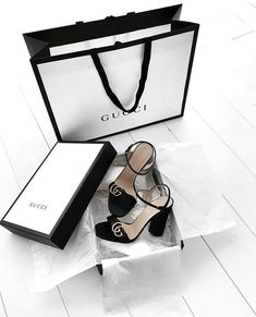 Michael Susanno (Emma's) Check a real Gucci. Controllato Cards Controllato & information cards Many online sources point to the controllato card, white in older ones and off white in newer ones, as proof that a Gucci bag. Cute Shoes, Me Too Shoes, Stilettos, High Heels, Shoe Boots, Shoes Heels, Shoes Sneakers, Gucci Shoes, Gucci Bags