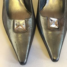 Get the must-have pumps of this season! These Stuart Weitzman Metallic Jeweled Heels Pumps Size US are a top 10 member favorite on Tradesy. Fairy Tale Costumes, Stuart Weitzman, Pumps Heels, Oxford Shoes, Dress Shoes, Loafers, Fantasy Clothes, Metal, Fashion
