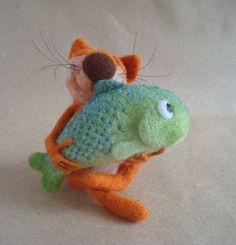 Needle felted Kitty and a fishie...