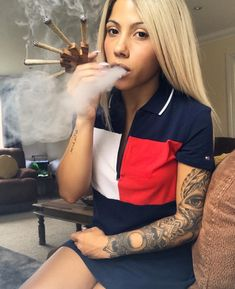 Buy Weed Online - Weed for Sale-Order Weed Online Usa Weed Girls, 420 Girls, Girl Smoking, Smoking Weed, High Society, Kool Savas, Hi Babe, Gangster Girl, Puff And Pass