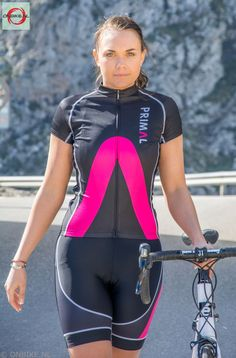Primal Aro Cycling Kit - Basic black meets modern style with a pop of colour as this design focuses on the new Primal brand. Primal Wear, Color Pop, Colour, Wetsuit, Cycling Outfits, Bicycle, Sporty, Evo, Lady