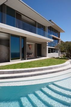 Extensive renovation in the sought-after Llandudno area of Cape Town Cape Town, Natural Materials, Beautiful Homes, Backdrops, Contemporary, Mansions, Architecture, Luxury, House Styles