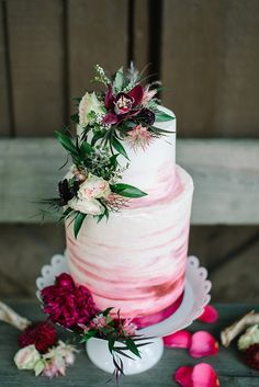 What a beautiful cake!