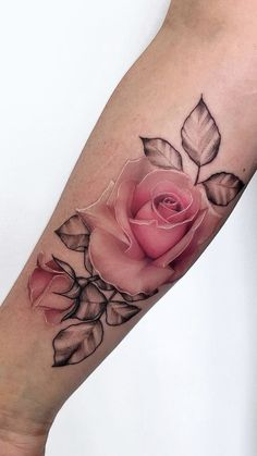Feed Your Ink Addiction With 50 Of The Most Beautiful Rose T.- Feed Your Ink Addiction With 50 Of The Most Beautiful Rose Tattoo Designs For Men And Women jaw-dropping rose tattoo © tattoo artist Pony Wave Pony Wave Wrist Tattoos For Women, Tattoo Designs For Women, Tattoos For Women Small, Small Tattoos, Foot Tattoos Girls, Rose Tattoos For Men, Ankle Tattoo Designs, Tattoo Women, Pretty Tattoos