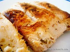 Lemon and Garlic Grilled Chicken. A marinade of lemon, olive oil, garlic, salt, pepper & oregano. Marinate overnight and then grill. I Love Food, Good Food, Yummy Food, Tasty, Lemon Garlic Chicken, Garlic Salt, Great Recipes, Favorite Recipes, Amazing Recipes