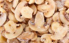 A gombát érdemes szeletelve eltenni a fagyasztóba