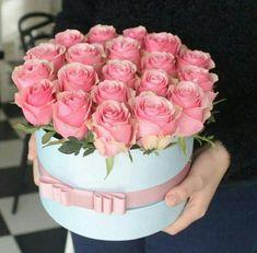 Francois J. Beautiful Rose Flowers, Flowers Nature, Fresh Flowers, Beautiful Flowers, Flower Box Gift, Flower Boxes, Bouquet Box, Luxury Flowers, Flower Designs