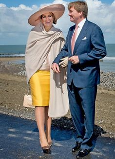 Queen Maxima in NATAN with Chanel bag