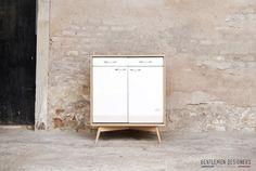 MEUBLE DE CUISINE VINTAGEMOBILUX, ILOT CENTRAL, BOIS ET MÉTAL http://www.gentlemen-designers.fr