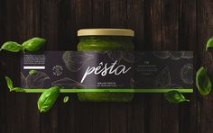 Pêsta was born of the desire that two local producers had to insert their family's pesto sauce into the market. The challenge was to translate the refining on the preparation and the quality of the ingredients of the Cesa family's recipe.