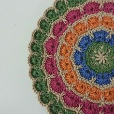 Crochet mandala - image only. Nice though! Looks replicable. Crochet Potholders, Crochet Blocks, Crochet Squares, Crochet Granny, Crochet Doilies, Crochet Flowers, Granny Squares, Crochet Round, Crochet Home