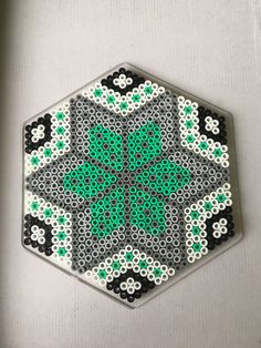 Decorative X Perler bead design. Melty Bead Patterns, Pearler Bead Patterns, Perler Patterns, Beading Patterns, Perler Bead Templates, Diy Perler Beads, Perler Bead Art, Hexagon Pattern, Hexagon Quilt