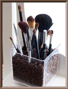 make up brush organizer -- good