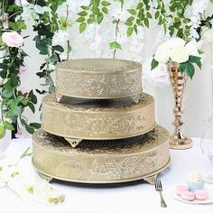 Wedding Cake Stands, Wedding Cake Toppers, Wedding Cakes, Cake Centerpieces, Elegant Centerpieces, Cake Stand Display, Metal Cake Stand, Caking It Up, Carving Designs