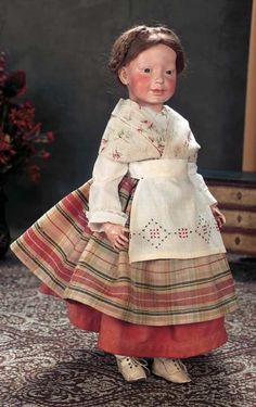 Top Ten Doll Artists | Ruby Lane Blog. Marion Kaulitz presented her character dolls at a 1908 doll art exhibition in Munich, Germany. With hand-painted heads depicting real children, the dolls created a sensation. Now known as Munich Art Dolls, these realistic child dolls are believed to have inspired the German art character reform movement, greatly influencing the bisque character dolls of companies such as Kammer & Rheinhardt.