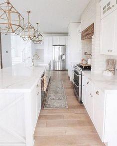 Home Renovation Kitchen White Kitchen Design Ideas Adding Warmth Interior Exterior, Home Interior, Interior Design Kitchen, Interior Livingroom, Home Renovation, Home Remodeling, Cocinas Kitchen, Cuisines Design, New Kitchen
