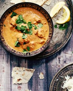 """best butter chicken"" - use tofu instead of chicken. marinieren und anbraten, dann in die Sahne-Sauce."