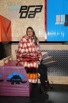 Anna dello Russo Photos - Anna Dello Russo attends Prada F/W 18 Men's Fashion Show on January 2018 in Milan, Italy. Milan Men's Fashion Week, Men Fashion Show, Mens Fashion Week, Anna Dello Russo, Prada, January 14, Vogue Japan, Milan Italy, Italian Fashion