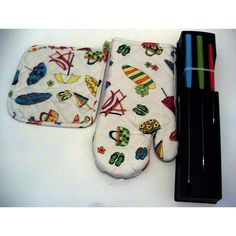 Fun oven mitt and knives.