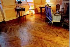 "Wood Floor Inlay: Fougère, or ""fern"" parquet wood floor pattern. Wood Floor Pattern, Floor Patterns, Parquet Flooring, Hardwood Floors, Flooring Ideas, Pallet Ideas For Bedroom, Rustic Wood Background, Chevron Floor, Staining Cabinets"