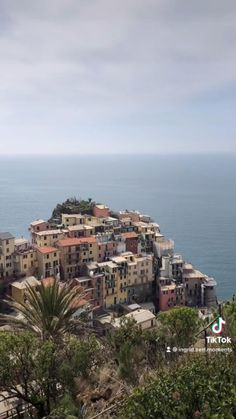 Italy Vacation, Italy Travel, Italy Destinations, Cinque Terre Italy, Visit Italy, Beautiful Places To Travel, Virtual Tour, Tuscany, Paris Skyline
