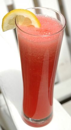 Watermellon Lemonaid:  4 cups watermelon, juice of 2 lemons, agave to taste