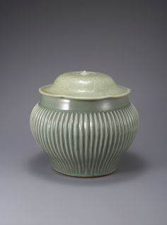 Korean Pottery, Celadon, Korean Art, Chinese Ceramics, Enamels, Chinese Culture, Art Object, Metal Working, Tea Pots