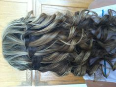 maybe homecoming hair Special Occasion Hairstyles, Fancy Hairstyles, Hairdos, Wedding Hairstyles, Hair Inspo, Hair Inspiration, Homecoming Ideas, Hair Locks, Raw Beauty