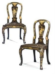 A PAIR OF CHINESE EXPORT BLACK AND GOLD LACQUER SIDE CHAIRS - CIRCA 1730
