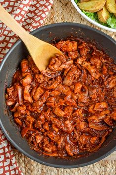 Slimming Eats Low Syn Stove Top BBQ Chicken - gluten free, dairy free, paleo, Slimming World and Weight Watchers friendly Easy Chicken Recipes, Pork Recipes, New Recipes, Cooking Recipes, Healthy Recipes, Recipies, Healthy Chicken, Yummy Recipes, Chicken Receipe