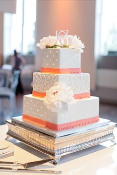 A summer ballroom wedding at the Palladium Saint Louis complete with rose, hydrangea and peony arrangements by Belli Fiori. Wedding Favours Luxury, Wedding Cakes, Peony Arrangement, Ballroom Wedding, Happy Birthday Cakes, Always And Forever, St Louis, Pastries, Special Day