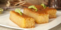 Η συνταγή για ένα από τα πιο λαχταριστά σιροπιαστά γλυκά της ελληνικής ζαχαροπλαστικής. | GASTRONOMIE | iefimerida.gr | γλυκό, Kέικ, σιρόπι, συνταγή, αυγά, Βέροια, ΡΑΒΑΝΙ Nutrition, Dessert Recipes, Desserts, Greek Recipes, Cornbread, Banana Bread, Gluten, Menu, Sweets
