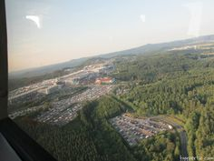 Den Nürburgring während dem 24h Rennen von oben sehen, das sollte bei jedem auf der To-Do Liste für einen Besuch beim Langstreckenrennen in der Eifel stehen. Oftmals hat man ein, zwei Ecken an denen man sich die meiste Zeit seiner persönlichen Wachphasen aufhält um das Rennen zu verfolgen. Andere sind auch bereits auf der NordschleifeRead More
