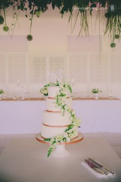 Gallery – Nicole & Nicholas | hayley takes photos Flowers in the Foyer
