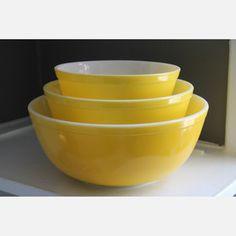 Yellow Pyrex Nesting Bowls