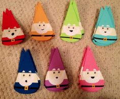(possible) Colorful Gnome Door Decs! Would be great coming from a break: Welcome back to your gnome, sweet gnome! Ra Door Tags, Cubby Tags, Door Decks, Dorm Door, Gnome Door, Resident Assistant, Res Life, Arts And Crafts, Diy Crafts